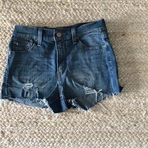 High waisted Levi jean shorts